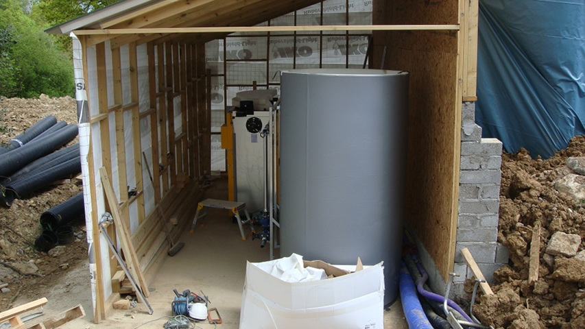 Installing the Elephant House biomass boilers
